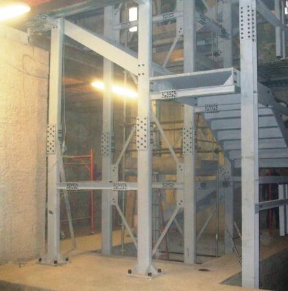 Carpenteria metallica per contenimento ascensore e vano scale presso Museo Archeologico Firenze