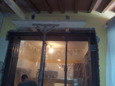 Cerchiatura porta edificio residenziale con saldature qualificate Firenze