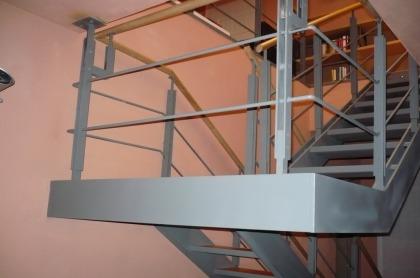 scale carpenteria metallica strutture in ferro firenze toscana pistoia prato prezzi scala in ferro da interno  Firenze Pistoia Prato Toscana