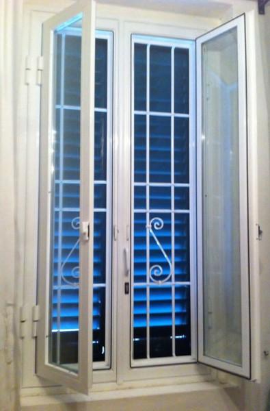 Infissi in ferro su misura infissi apribili infissi per - Protezioni in ferro per finestre ...