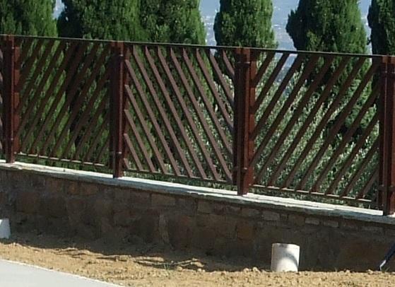 Casa moderna roma italy ringhiera per esterno - Recinzione casa prezzi ...