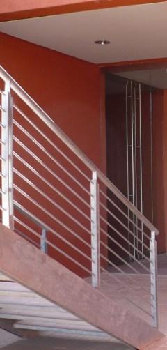 Carpenteria metallica strutture ferro ringhiera parapetto prezzi firenze prato pistoia