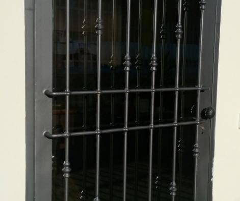 Prezzi on line al mq inferriate grate ringhiere for Grate in legno per balconi