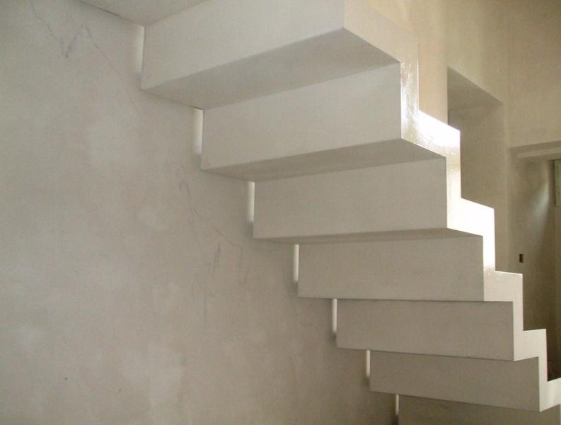 Scale in legno da interno scala sbalzo in legno rovere - Scale classiche per interni ...